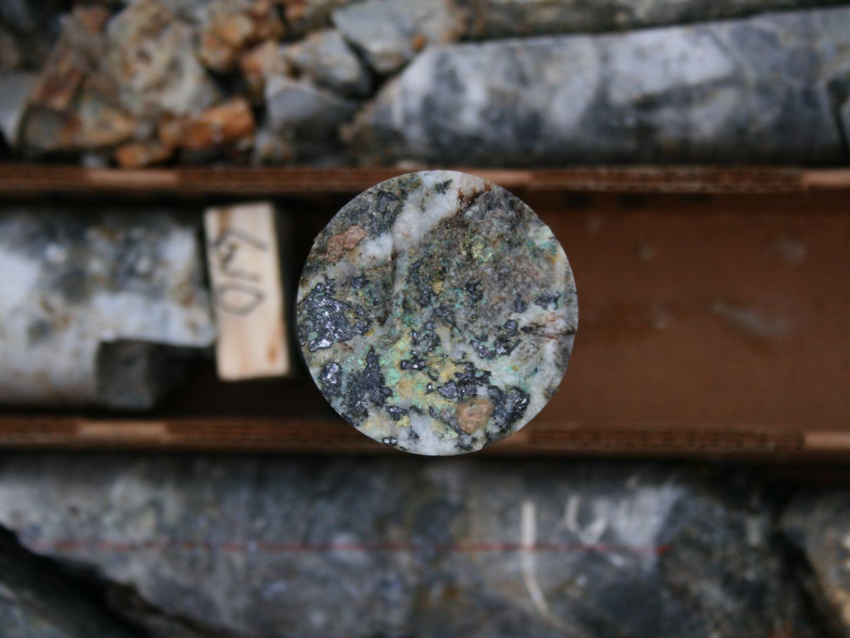 Silver Bearing Sulphide Minerals in 15SRDD003 186m (611ft)